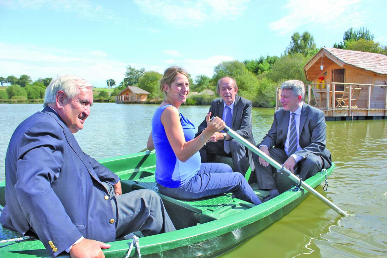 village flottant pressac maud fontenoy vienne tourisme