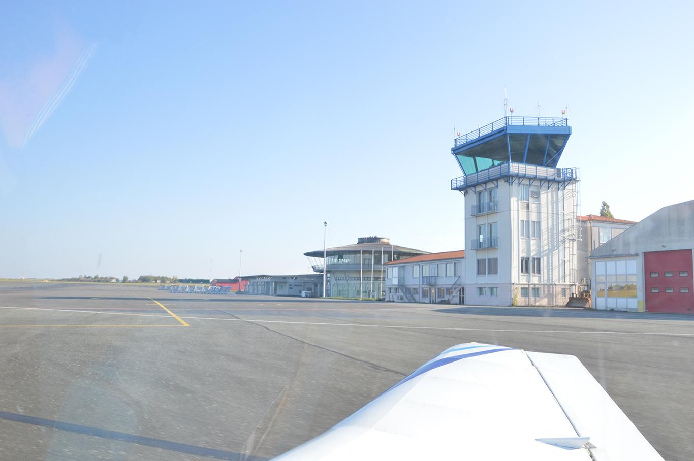 aéroport poitiers